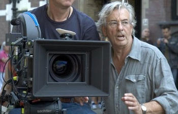 Paul Verhoeven à la barre du film Eternal